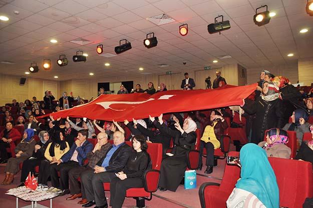 AK Partili Kadınlardan Mehmetçiğe moral mektubu