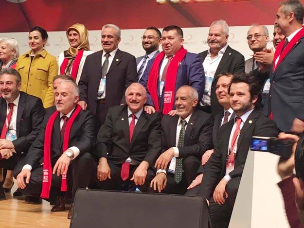 Kınık, Kızılay Genel Başkanı oldu