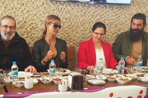 Tuğba Özay fanlarıyla Beykoz'da buluştu