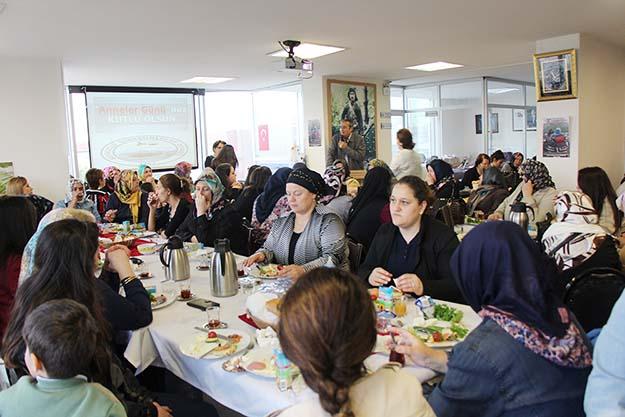 Beykoz'un Giresunlu Kadınları Anneler Günü'nü kutladı