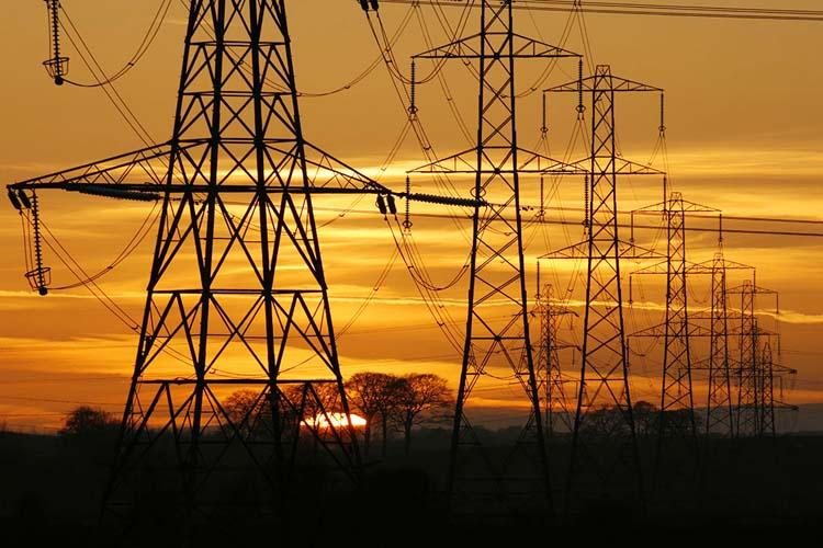 Beykoz'da elektrik kesintileri bitmiyor