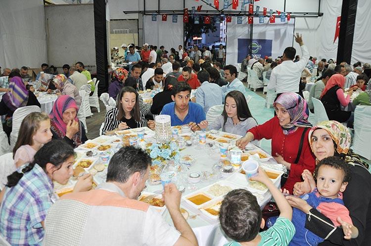 Yöre Derneği iftarlarına Belediye desteği
