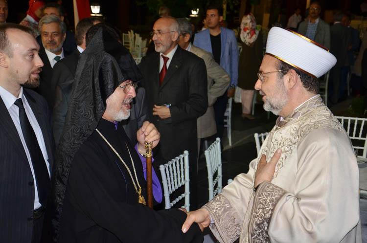 Dini liderler Beykoz'da iftar yaptı