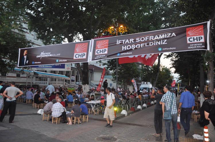 CHP Beykoz gençliğinde iftarlar muhabbetle geçiyor