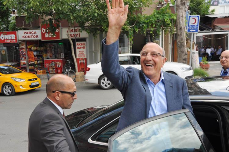 CHP Beykoz'un Bayram konuğu İlhan Kesici oldu