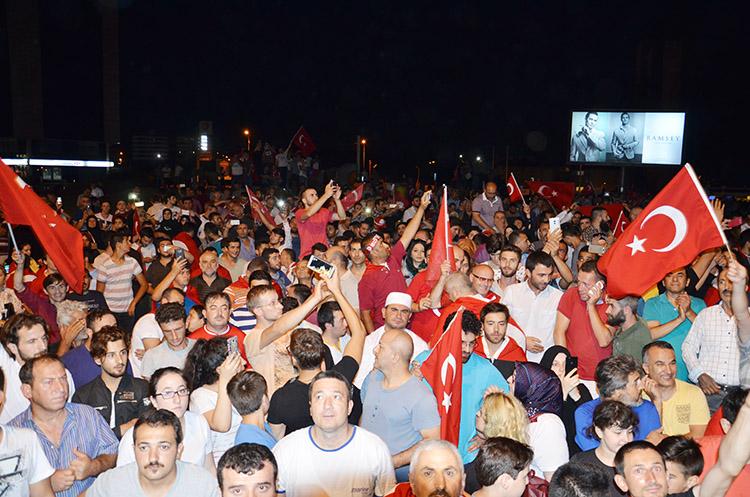 Beykoz'da Demokrasi Nöbeti sürüyor