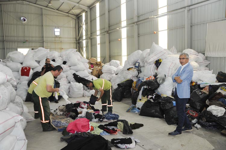 Beykoz'dan Suriyelilere giyim yardımı