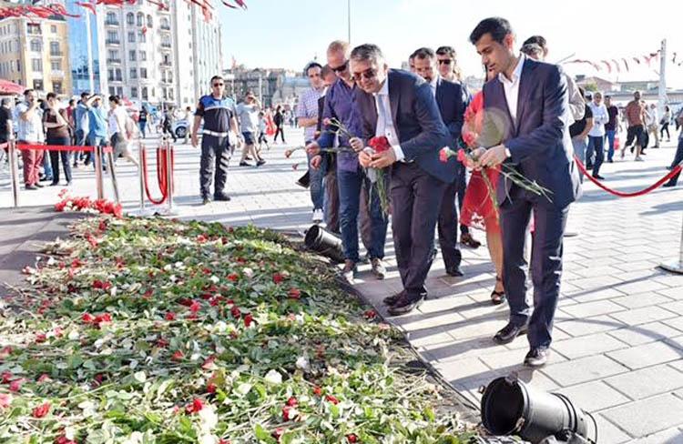 Özel Kalem Müdürleri, Taksim şehitlerini ziyaret etti