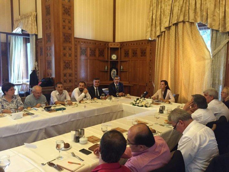 AK Parti Beykoz'da AR-GE zirvesi yaptı