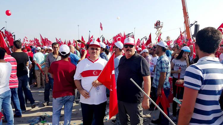 Beykoz Başkomutana 10 bin kişiyle destek verdi