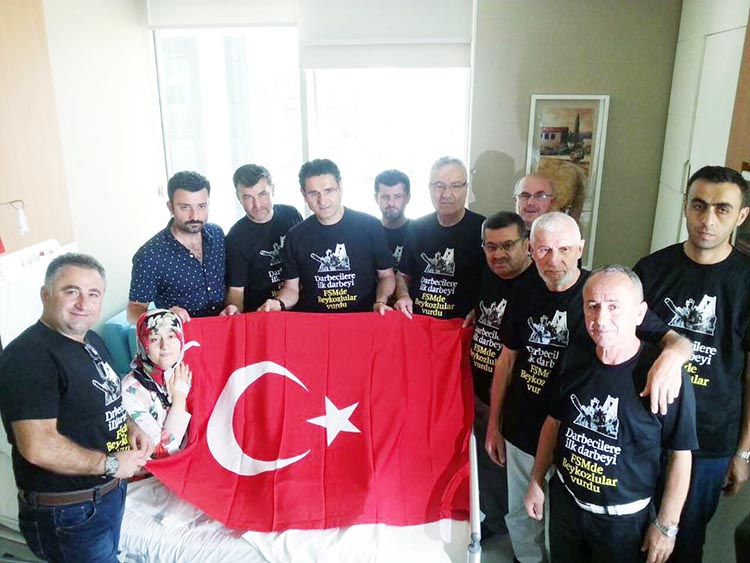Şerife Bacı'nın torunları Beykoz'da pankart astı