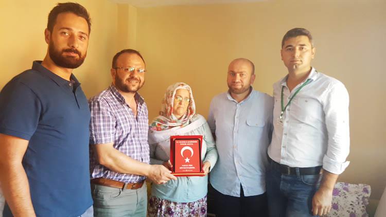 İHH, Beykoz'da gazi ve şehit ailelerini ziyaret etti
