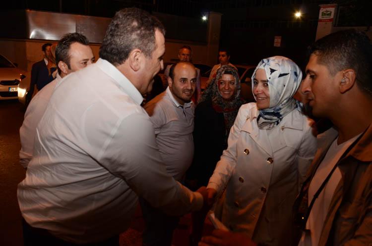 Beykoz'da şehit ailelerine Bakan ziyareti
