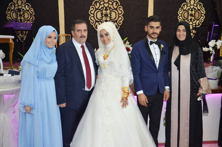 Beykoz'da bir düğün, herkes oradaydı!