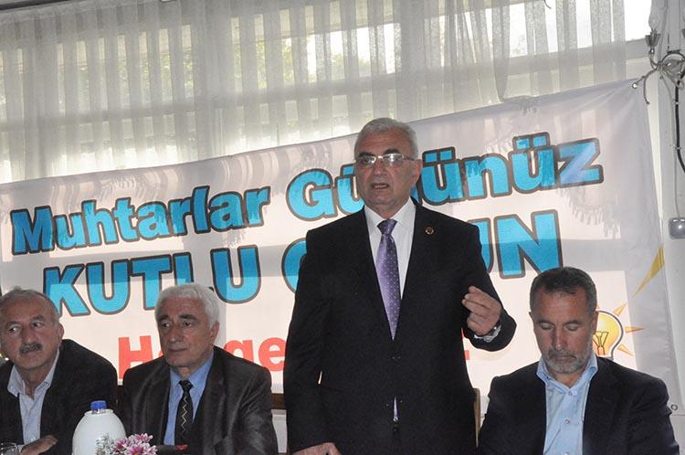 AK Parti Beykoz'da muhtarlarla kahvaltı yaptı