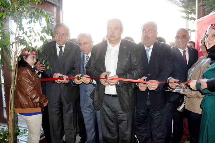 MHP Beykoz'da yeni ilçe merkezini açtı