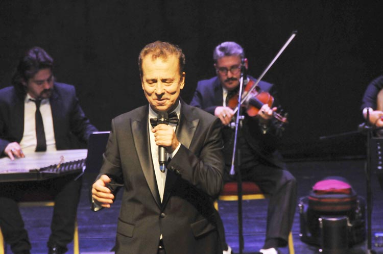 Arif Özgülüş Beykoz'a konser verdi