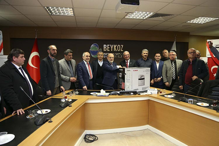 Beykoz Belediyesi'nden 45 muhtara printer