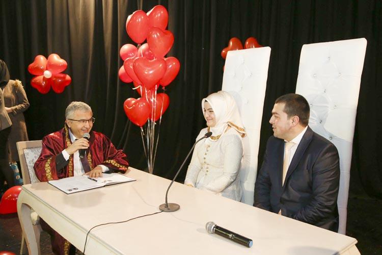 Beykoz'da 14 Şubat çiftlerine romantik nikah