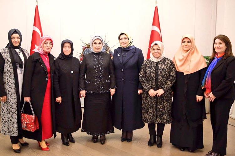 Bayan Erdoğan ve Bayan Çelikbilek Huber Küşkü'nde buluştu