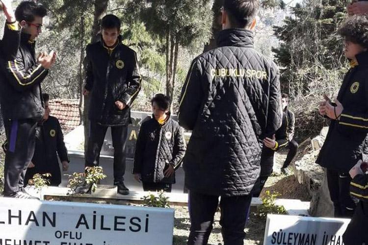 Çubukluspor U17'den Süleyman Baba'ya ziyaret