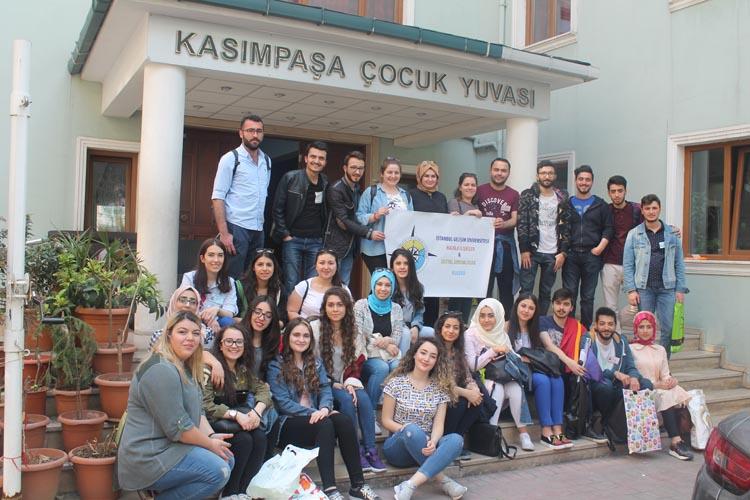 İstanbul Gelişim Üniversitesi 'Sevgiye El Uzat'tı