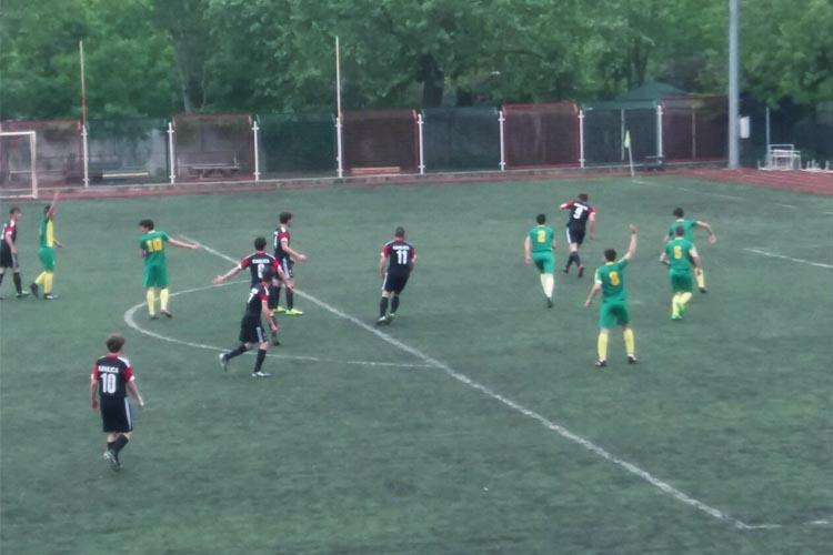 Beykoz'da komşuların maçını Anadoluhisarı kazandı