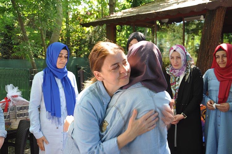 Beykoz'da 15 Temmuz annesine anlamlı ziyaret