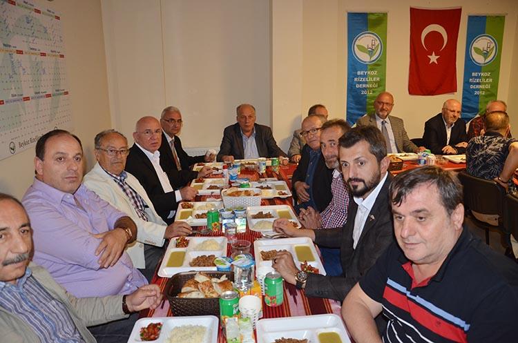 Beykoz Rizeliler Derneği'nde istişareli iftar yemeği