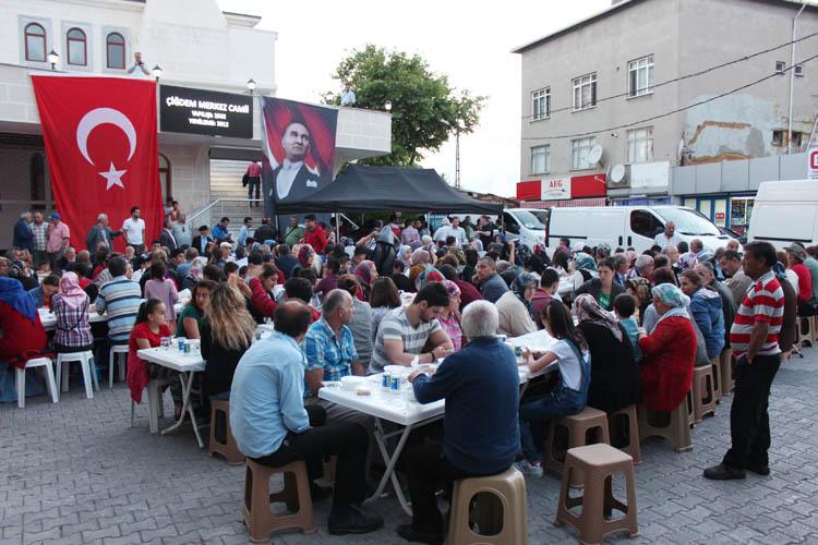 CHP Beykoz'dan Çiğdem Mahallesi'nde iftar sofrası
