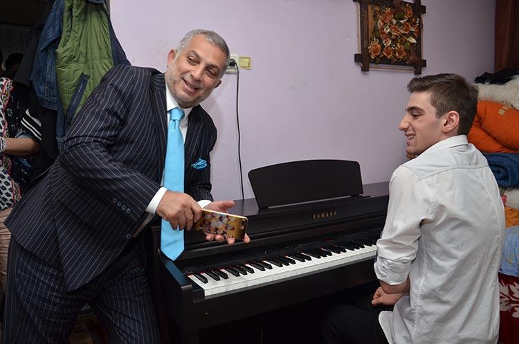Külünk, otizmli Mozart'ı Beykoz'da ziyaret etti