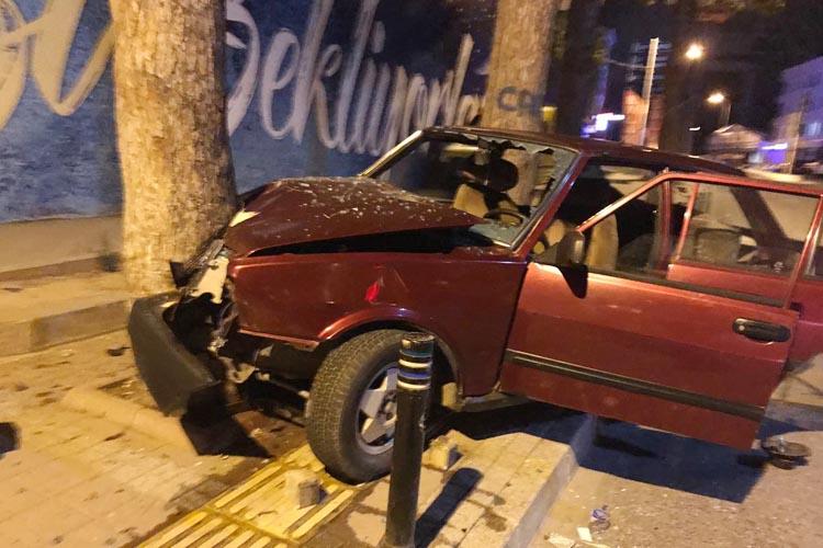 Beykoz'da gençler kazayı ucuz atlattı…