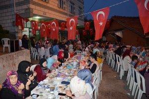 Beykoz Fetihtepe'de Rizeliler halk sofrası kurdu