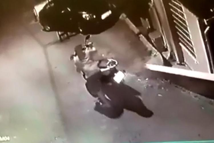 Beykoz'daki motor hırsızlığı güvenlik kamerasında