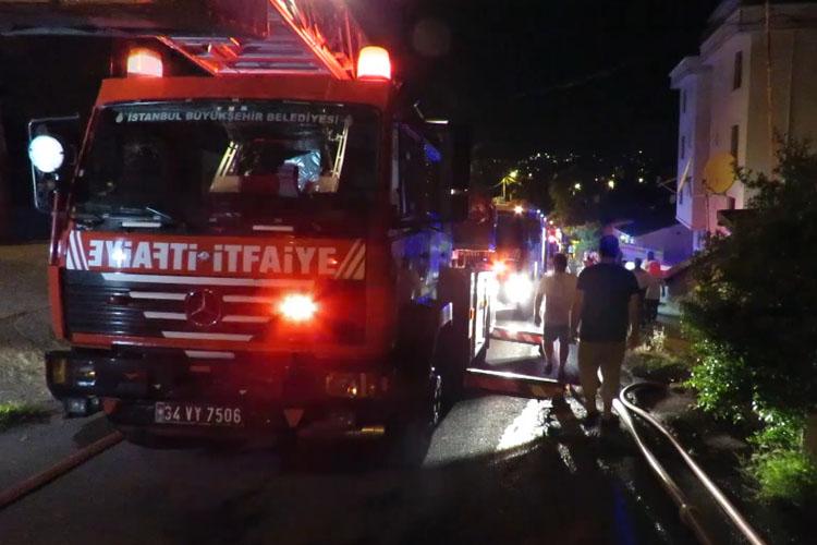 Beykoz'da sabaha karşı ev yangını: 2 yaralı