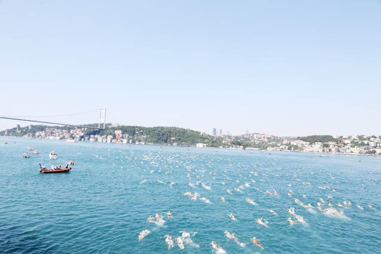 Uluslararası yüzme yarışı Beykoz'dan start aldı