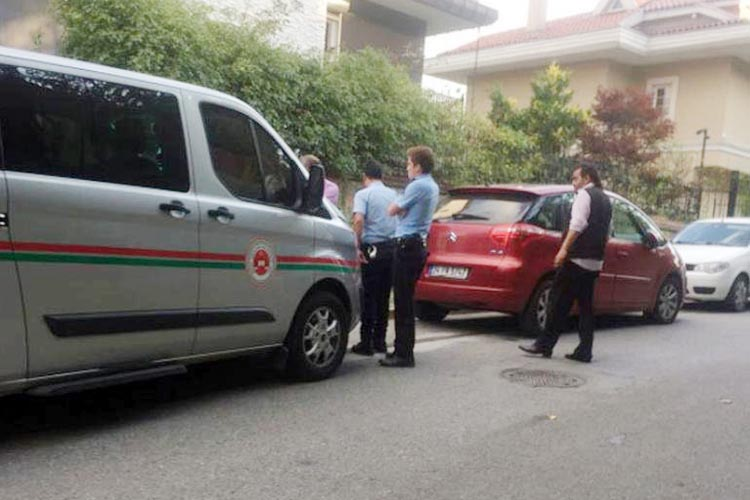 Beykoz'daki lüks villanın kapısı çilingirle açıldı