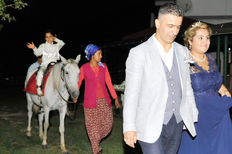 Beykoz'da bir sünnet düğünü ve aile mutluluğu