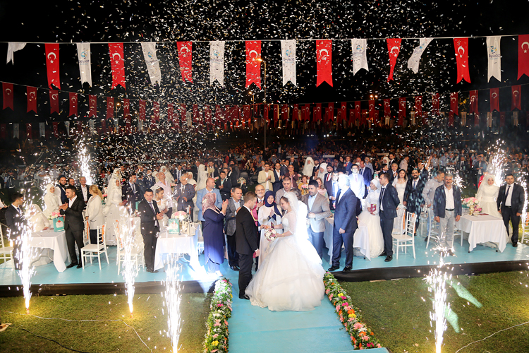 Beykoz'da toplu nikah şöleni göz doldurdu