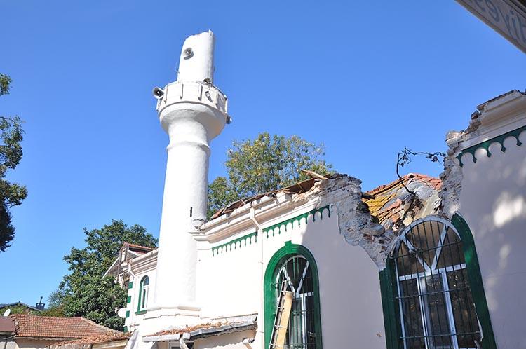 Beykoz'da yıkılan camiye dokunulamıyor