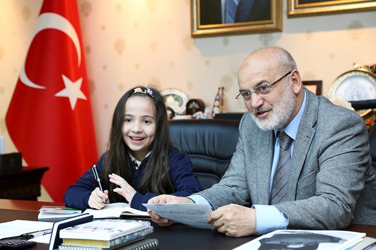 Beykoz Belediyesi'nden 2 Milyon 100 Bin TL eğitim yardımı