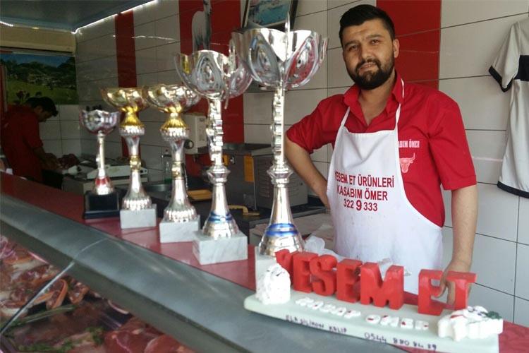 Kasabım Ömer Beykoz'da et fiyatlarını düşürdü