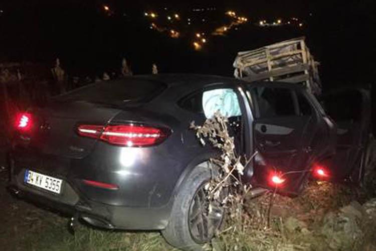 Beykoz Çavuşbaşı'nda otomobil uçuruma yuvarlandı