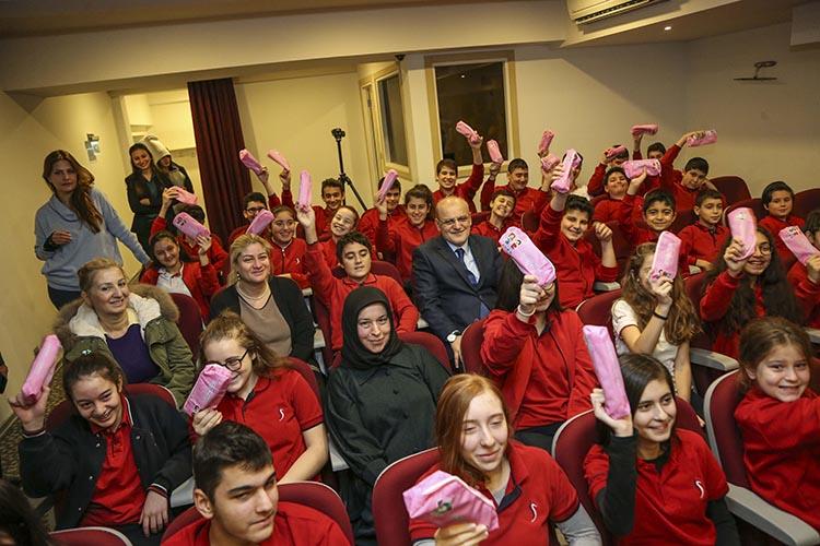 Beykoz Belediyesi diş fırçası dağıtıyor