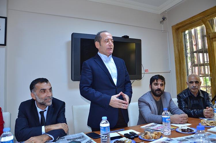 Akif Hamzaçebi'den Beykoz'da dernek ziyareti