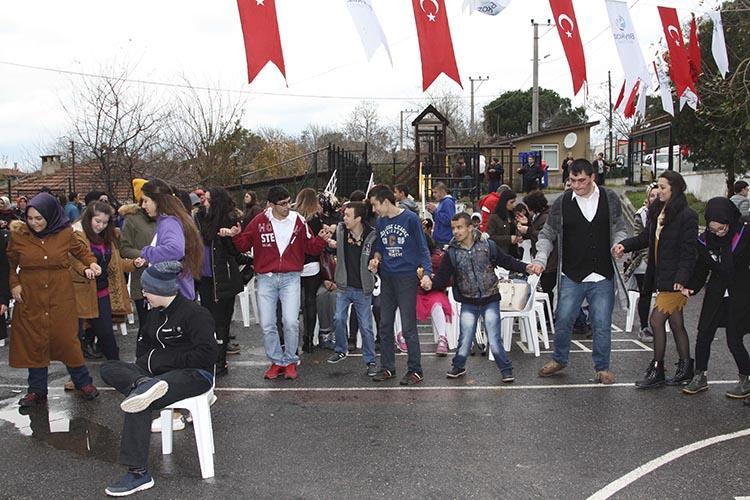Beykoz'da hamsi festivali bu kez özel çocuklara