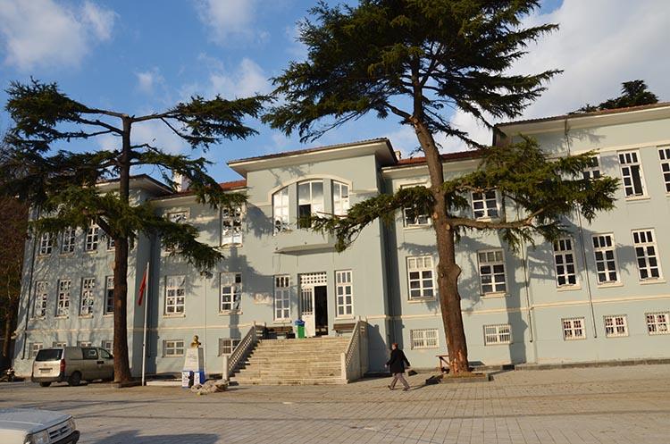 Ahmet Mithat Efendi İlkokulu pazartesi açılıyor