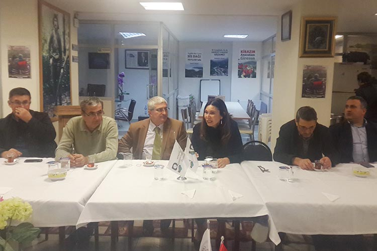 Ayşe Tunalı Beykoz'da dernek toplantısına katıldı