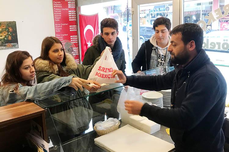 Beykozlu esnaftan Zeytin Dalı'na destek
