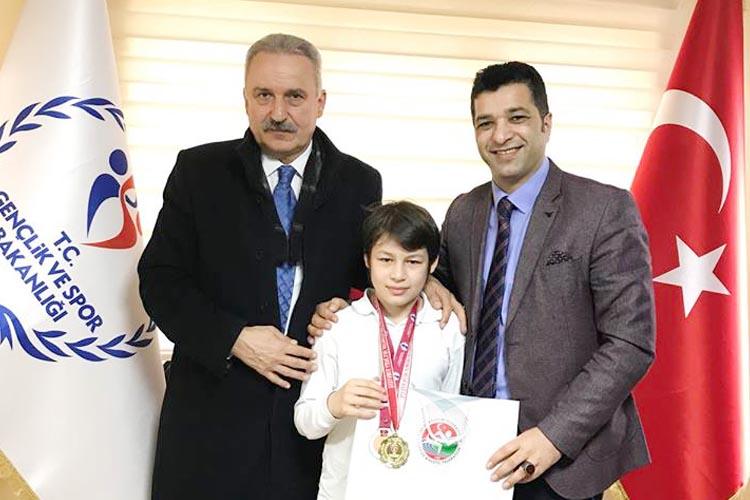 Beykoz'un jimnastik şampiyonu Alperen Ege Avcı